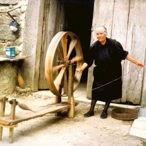 torcer lã ovelha